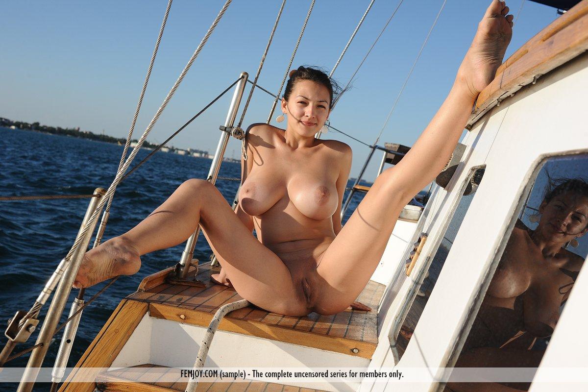 naked girls on cruises