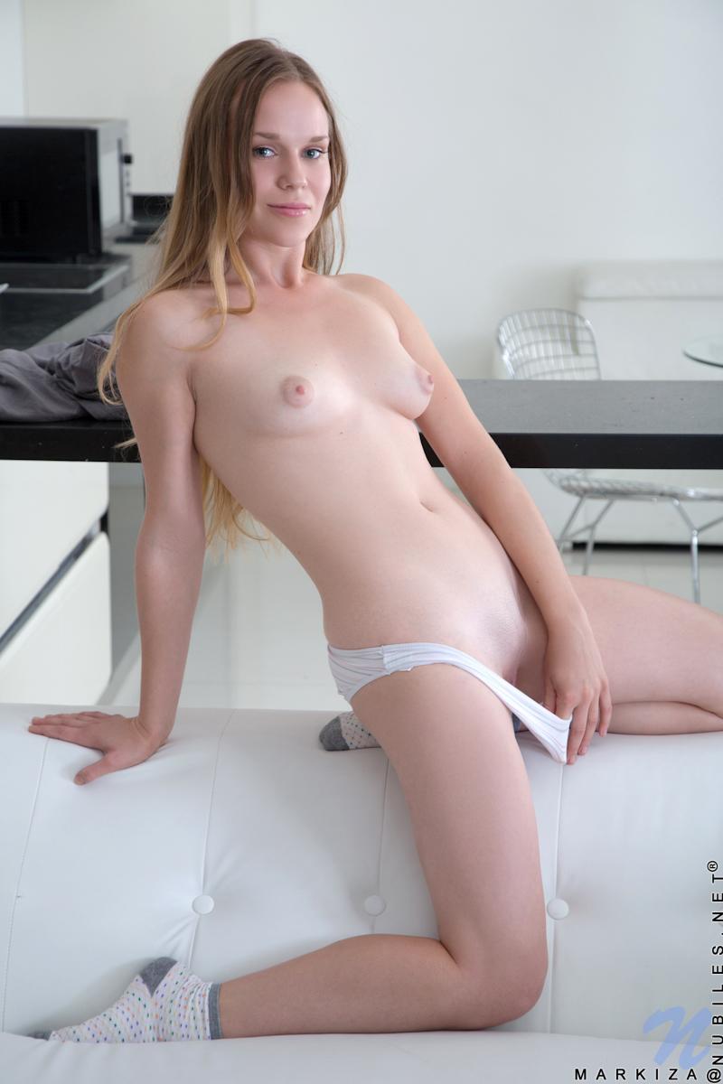 School girl naked pic